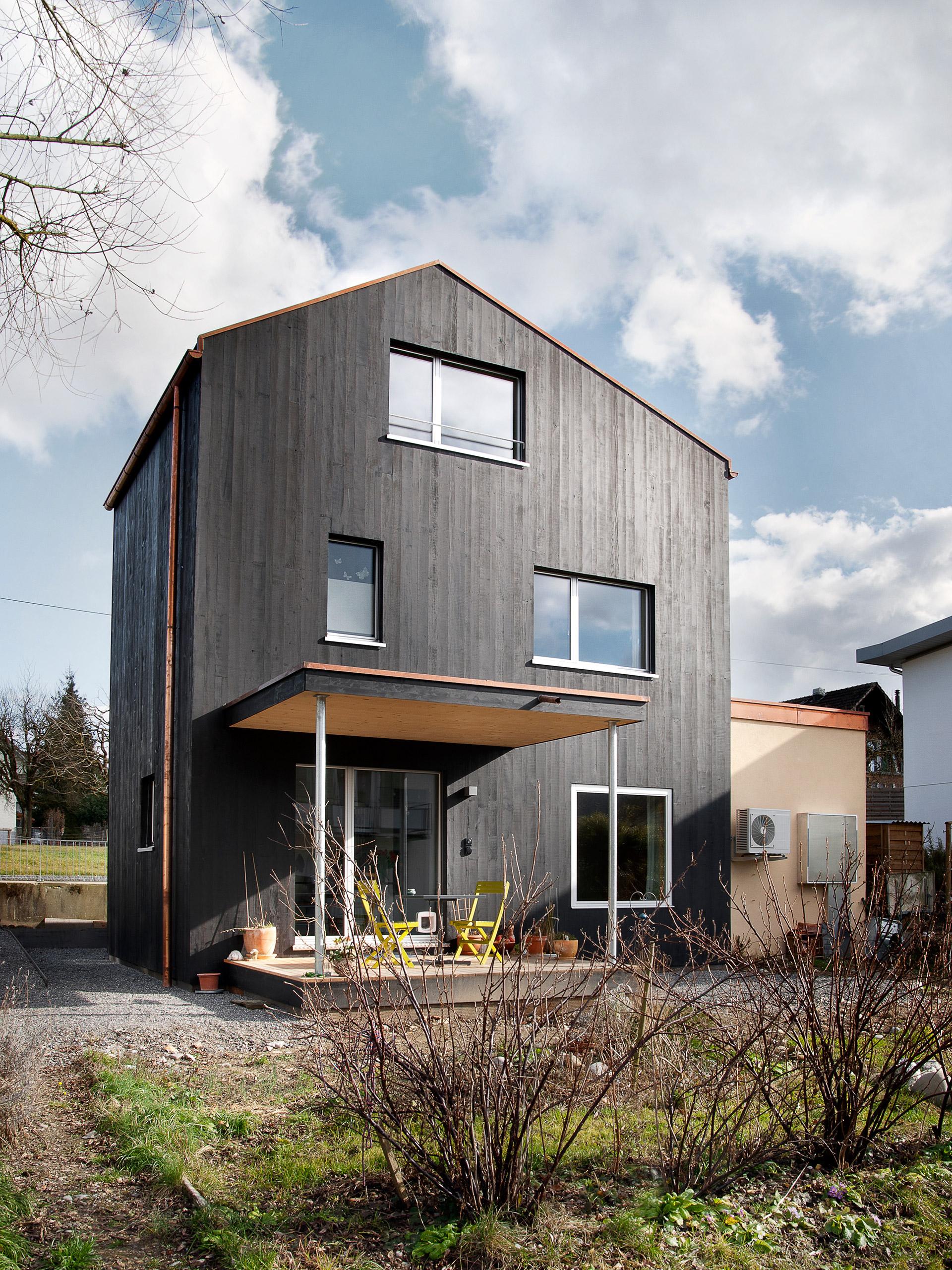 schaerholzbau ag | 12.0208 Drei Geschosse, drei Zimmer, ein Haus ...