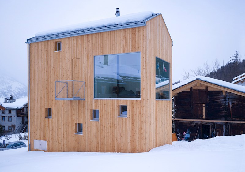 schaerholzbau ag | Moderne und Tradition vereint Sputnik Graechen